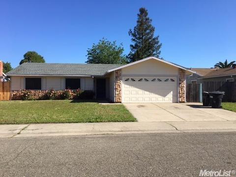 8467 Garber Green Ct, Sacramento, CA 95828