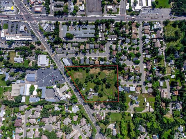 7820 Old Auburn Rd, Citrus Heights, CA 95610