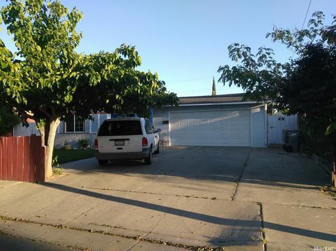 429 Mandarin Ave, Los Banos, CA 93635