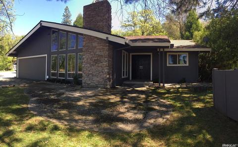 18043 Lake Forest Dr, Penn Valley, CA 95946