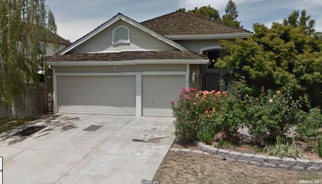 6713 Hollybrook Dr, Sacramento, CA 95823