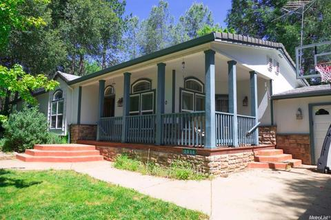 2030 Candlelight Dr, Somerset, CA 95684