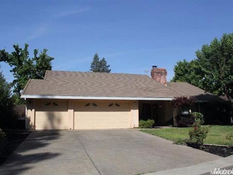 4887 Thousand Oaks Ct, Carmichael, CA 95608