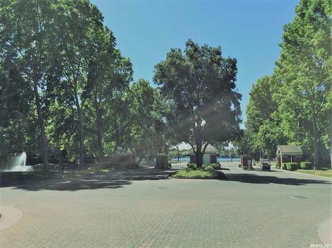 5501 Saint Andrews Dr, Stockton, CA 95219