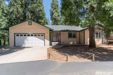 5551 Gilmore Rd, Pollock Pines, CA 95726
