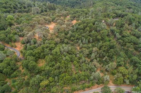 22316 Rambling Oaks Dr, Grass Valley, CA 95949