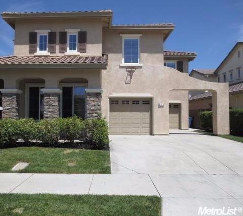 649 Pioneer Ave, Lathrop, CA 95330
