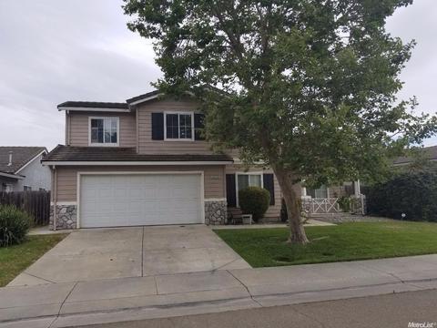 4026 Des Moines Dr, Stockton, CA 95209