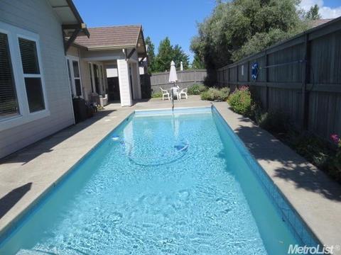 2745 Aspen Valley Ln, Sacramento, CA 95835