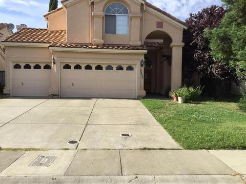 5831 Sternsburg Way, Sacramento, CA 95823