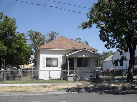 106 S Della St, Stockton, CA 95205