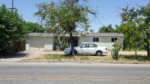 7114 Myrtle Ave, Winton, CA 95388