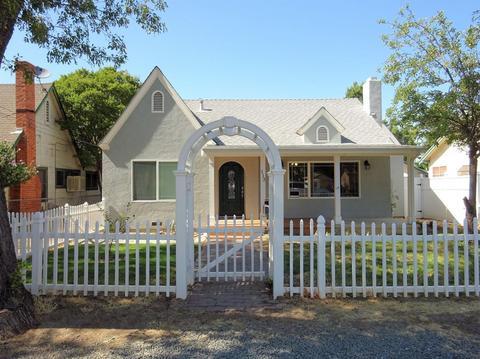113 Walden St, Modesto, CA 95354