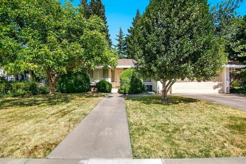 15 Rivermoor Ct, Sacramento, CA 95831