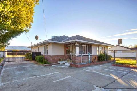 7506 Florin Rd, Sacramento, CA 95828
