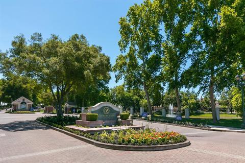 4135 Pinehurst Cir, Stockton, CA 95219