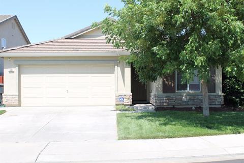 5309 Benjamin Ct, Riverbank, CA 95367
