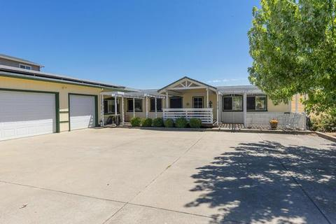 4270 Lakeview Dr, Ione, CA 95640