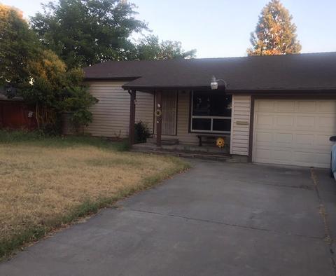 7820 Betty Lou Dr, Sacramento, CA 95828