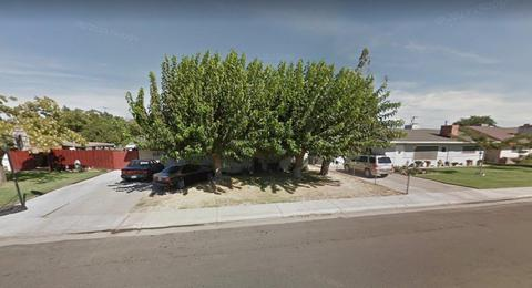 1531 1st St, Livingston, CA 95334