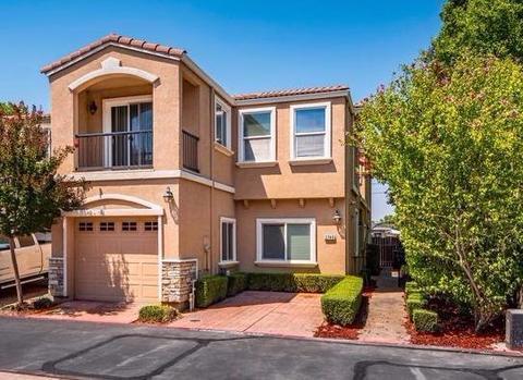 2749 Via Villaggio, Sacramento, CA 95864