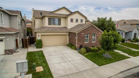 1300 Manley Dr, Tracy, CA 95377