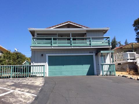 123 Poker Flat Rd, Copperopolis, CA 95228