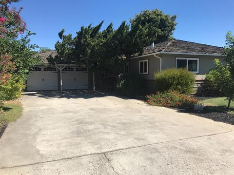 241 Bel Air Ct, Turlock, CA 95380