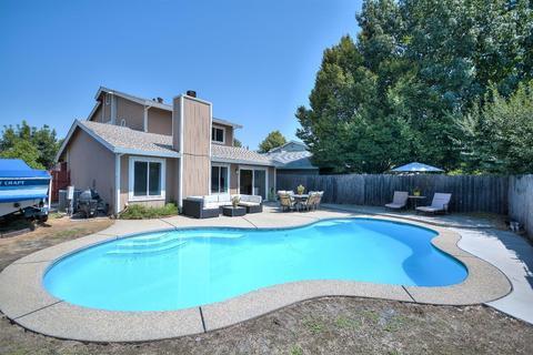 950 Rancho Roble Way, Sacramento, CA 95834