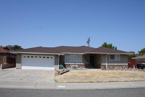 6735 Flamingo Way, Sacramento, CA 95828