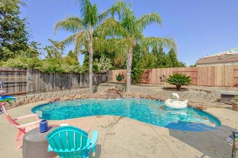 10945 Woolwich Way, Mather, CA 95655