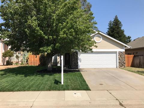 6825 Hollybrook Dr, Sacramento, CA 95823