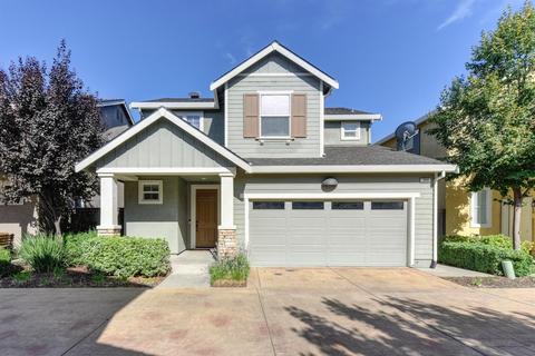 240 Soaring Hawk Ln, Sacramento, CA 95833