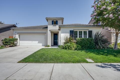 3378 Silverwood St, Escalon, CA 95320