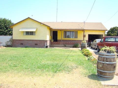 10436 Pioneer Ave, Oakdale, CA 95361