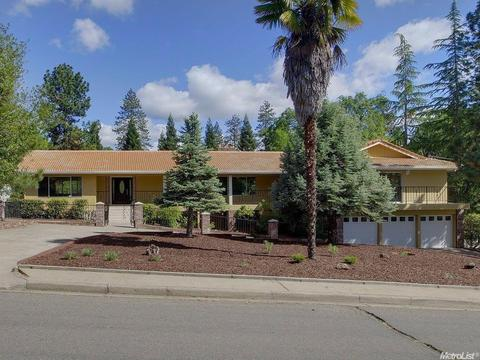 1692 Country Club Dr, Placerville, CA 95667
