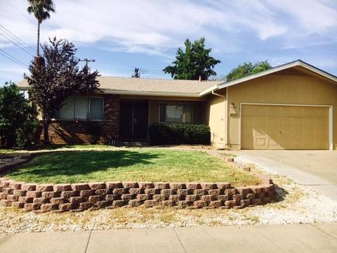 9091 Thilow Dr, Sacramento, CA 95826