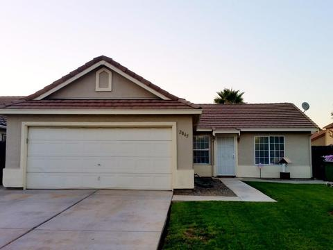 2865 Togninali Ln, Stockton, CA 95206