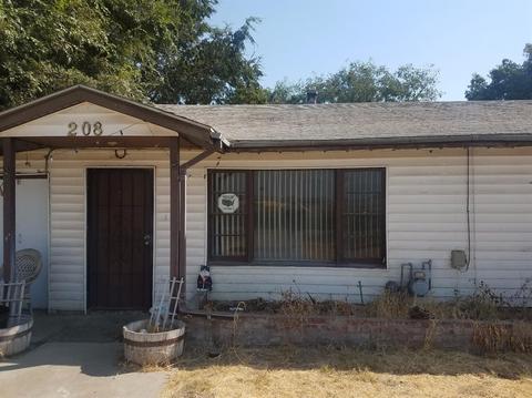 208 W Simmons Rd, Turlock, CA 95380