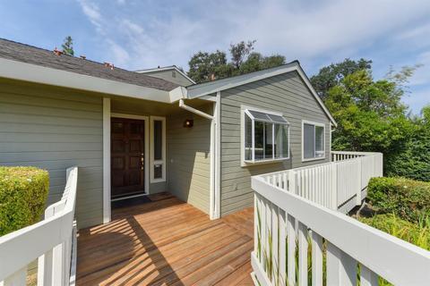 151 Valley Oak Dr #17, Roseville, CA 95678
