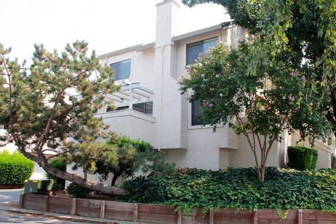 3084 Swallows Nest Dr, Sacramento, CA 95833