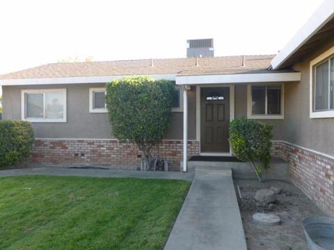 300 Clark St, Turlock, CA 95380