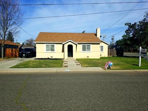 Attractive 1016 Park Ave, Escalon, CA 95320