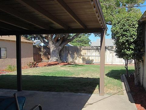 1310 S Church St, Lodi, CA (18 Photos) MLS# 18047607 - Movoto