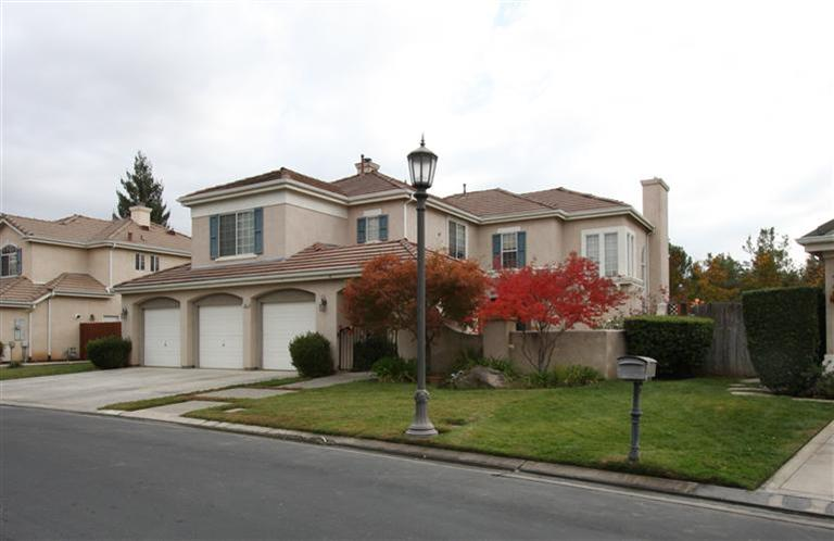 10609 N Pierpont Cir, Fresno CA 93730