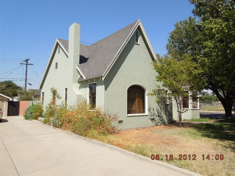 245 E Normal, Fresno CA 93704
