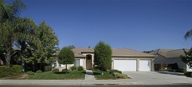 1945 Fairmont Ave, Clovis, CA 93611