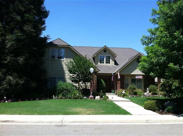 2121 Sophia Ln, Kingsburg, CA 93631
