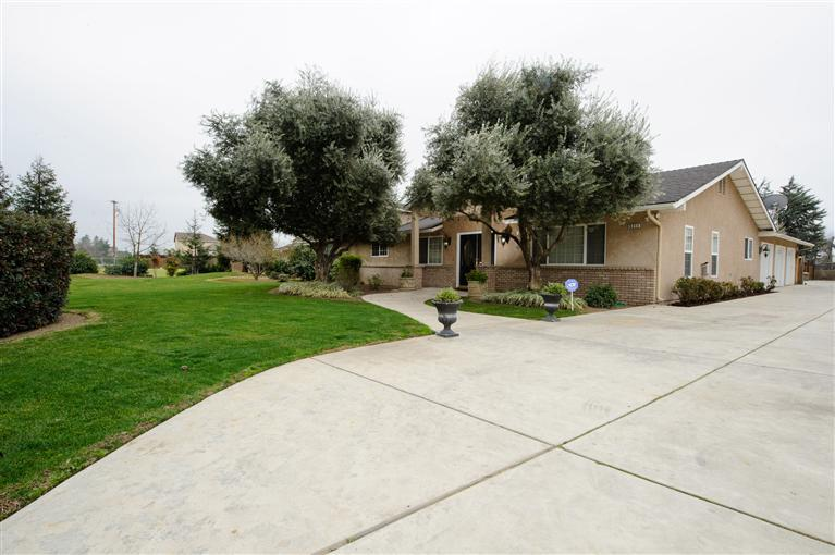 5211 E Shepherd Ave, Clovis, CA