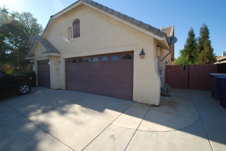 2773 Antonio Ave, Clovis CA 93611